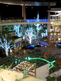 年末のららぽーと横浜